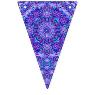 Banderas púrpuras y azules del empavesado del