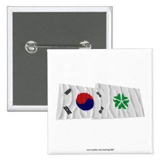 Banderas que agitan de Corea y de Daejeon Pins