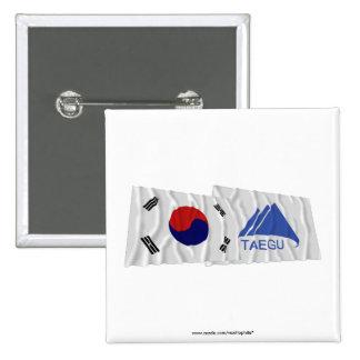 Banderas que agitan de Corea y de Taegu Pins