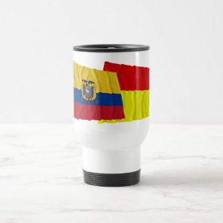Banderas que agitan de Ecuador y de Azuay Taza De Viaje