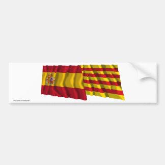 Banderas que agitan de España y de Cataluña Pegatina Para Coche