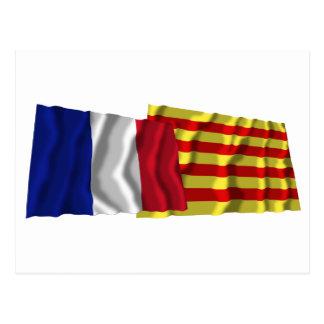 Banderas que agitan de Francia y de Postal