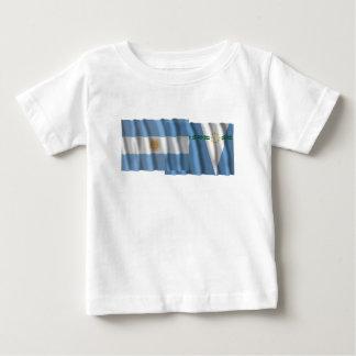 Banderas que agitan de la Argentina y de Formosa Camiseta Para Bebé