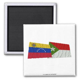 Banderas que agitan de Venezuela y de Trujillo Imán Cuadrado