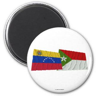 Banderas que agitan de Venezuela y de Trujillo Imán Redondo 5 Cm