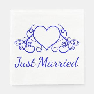 Banquete de boda casado del corazón del azul de servilletas de papel