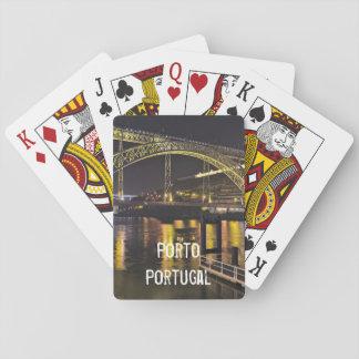 Baraja De Cartas Oporto - Portugal. Escena de la noche cerca del