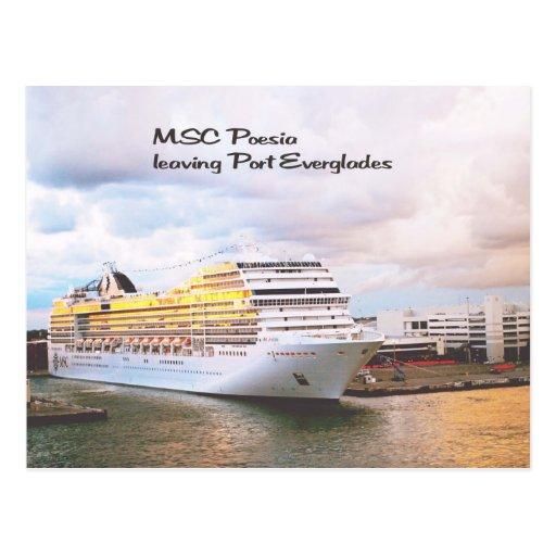 Barco de cruceros que sale del puerto tarjeta postal