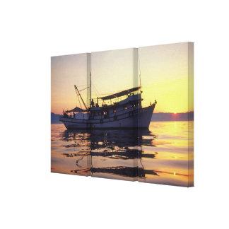 Barco de pesca impresion de lienzo