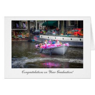 Barco del fiesta del globo, enhorabuena en la tarjeta de felicitación