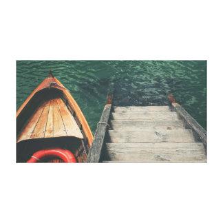 Barco en el agua lienzo