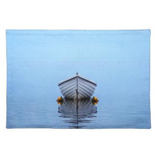 Barco solitario salvamanteles