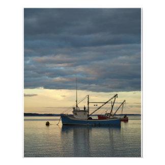 Barcos de la langosta en azul fotografia
