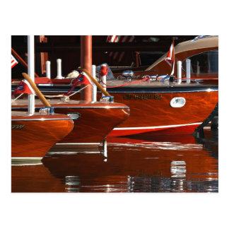 Barcos de madera clásicos, el lago Tahoe… Postal