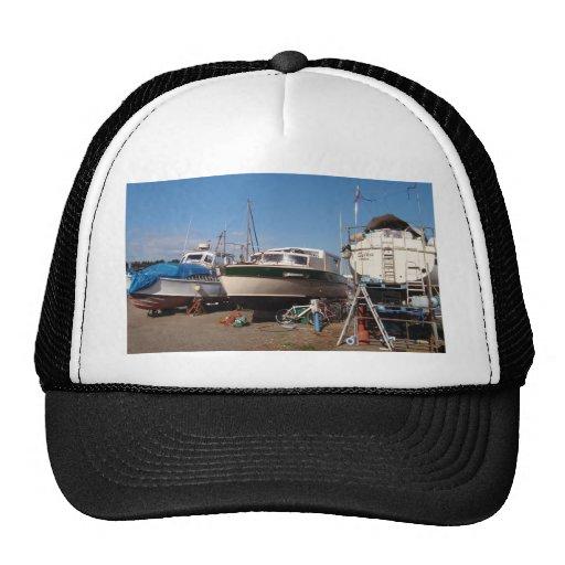 Barcos en la situación dura gorras de camionero