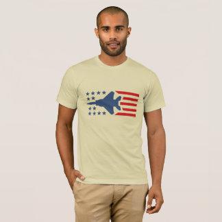 Barras y estrellas azules rojas del avión de camiseta