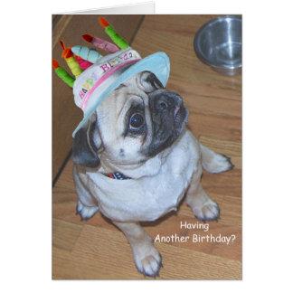 Barro amasado en un gorra del cumpleaños tarjetas