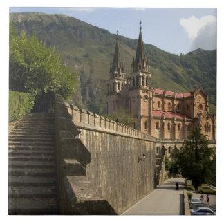 Basilica de Covadonga, España del noroeste Azulejo Cuadrado Grande
