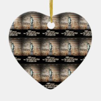 Batalla para la libertad religiosa adorno de cerámica en forma de corazón