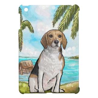Beagle en la playa tropical de las vacaciones