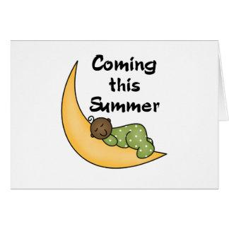 Bebé afroamericano el verano de la luna tarjeta de felicitación