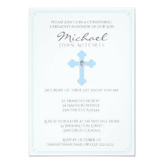 Bebé cruzado azul de la ceremonia del bautizo del invitación 12,7 x 17,8 cm