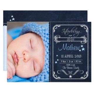 Bebé de la invitación del nacimiento de la pizarra