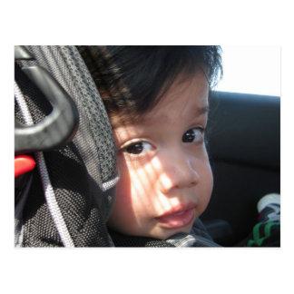 Bebé Dee - en su asiento de carro Postales