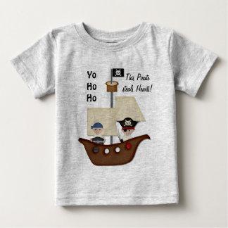 Bebé del tesoro del barco pirata camiseta de bebé