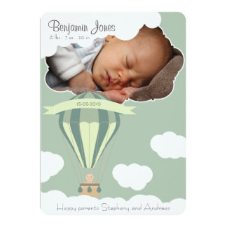 Bebé en la invitación del nacimiento del cielo