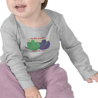 Bebé gemelo del Kat del karate Camisetas