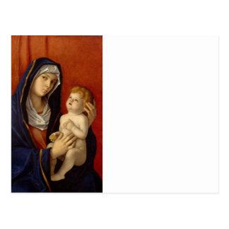 Bebé Jesús que sostiene la pera del oro Postal