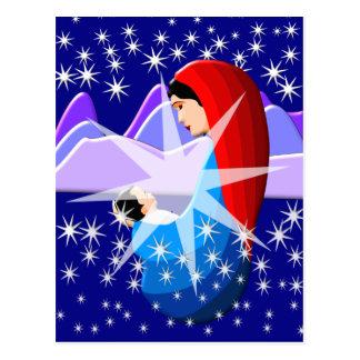 Bebé Jesús y Virgen María en luz de las estrellas Postal