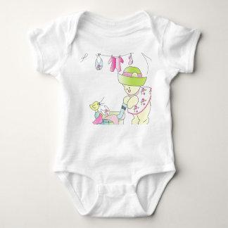 Bebé - niña ocupada de Beary Camisetas