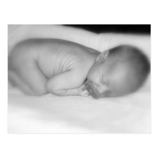 Bebé recién nacido tarjeta postal