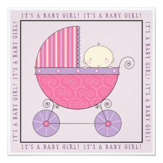 Bebé rosado y púrpura en fiesta de bienvenida al invitación 13,3 cm x 13,3cm
