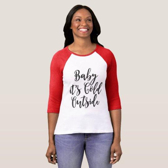 Bebé su camiseta fría del exterior