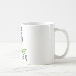 Bebida encima del podcast del noroeste de la taza de café