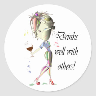 Bebidas bien con otras, arte divertido del vino pegatina redonda