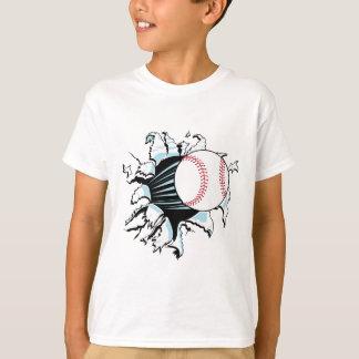 béisbol potente que rasga a través camiseta