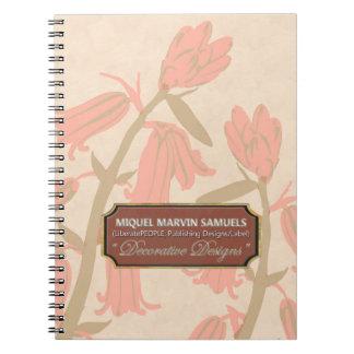 Bell rosada florece el cuaderno poner crema del