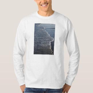 Belleza de la línea de la playa camiseta