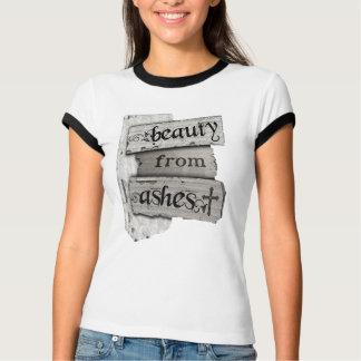 Belleza de mujeres cristianas de las cenizas de la camiseta
