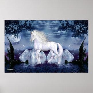 Belleza del blanco del unicornio póster