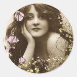 Belleza del vintage con las flores pegatinas redondas