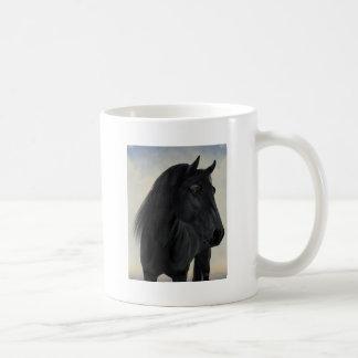 Belleza negra - retrato frisio negro del caballo taza de café