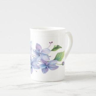 Bellezas del flor pequeña taza de China - violetas