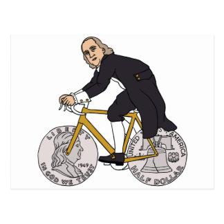 Ben Franklin en una bici con las ruedas del medio Postal