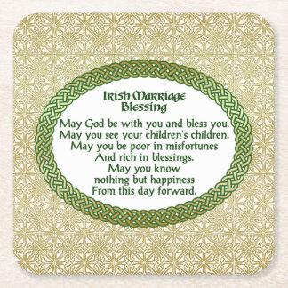 Bendición irlandesa de la boda, oro y boda verde posavasos de papel cuadrado