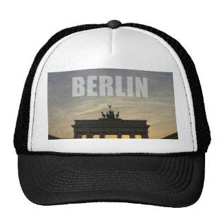 BERLÍN, puesta del sol en la puerta de Brandeburgo Gorros
